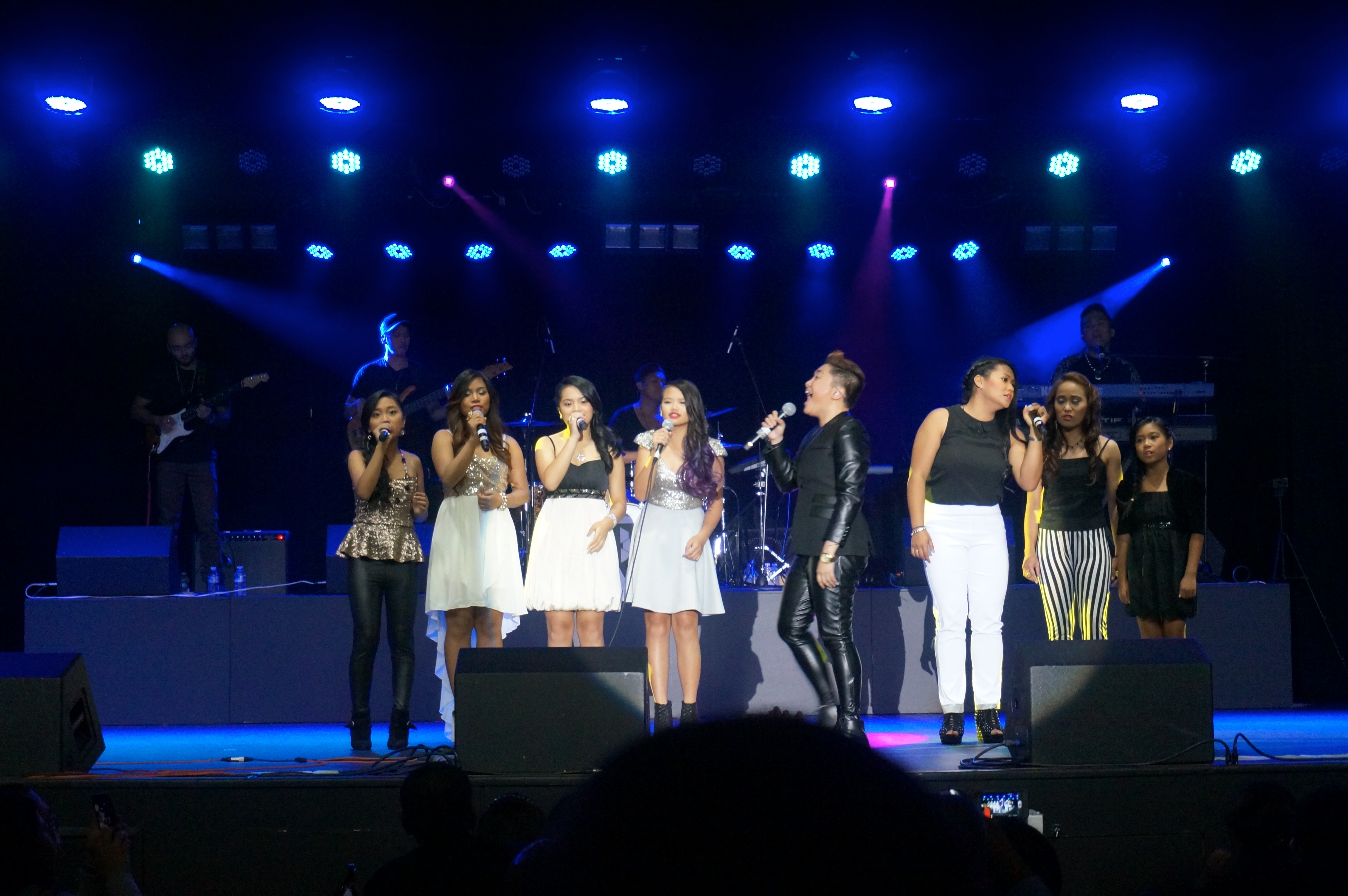 Charice singing you are not alone with front acts- Allyssa, Mikee-Anne, Chelsea, Leilani, Bernadette, Jinky and Dani.